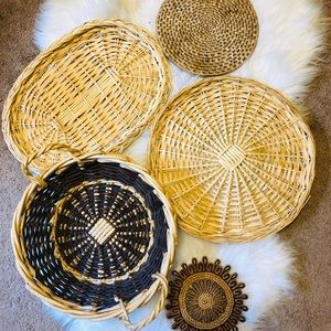 Set of 5 wicker baskets and trivets basket wall